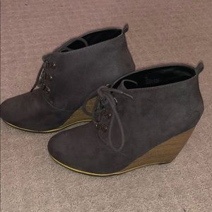 Charlotte Russe booties (gray)